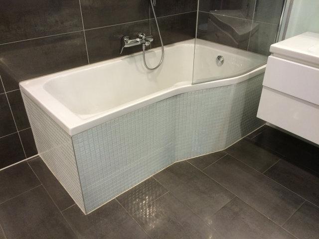 Badrenovierung badsanierung badumbau top renovierung for Badrenovierung gunstig